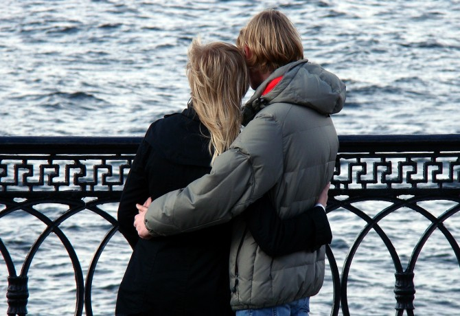 How to Survive a Long Distance Relationship While Studying Abroad