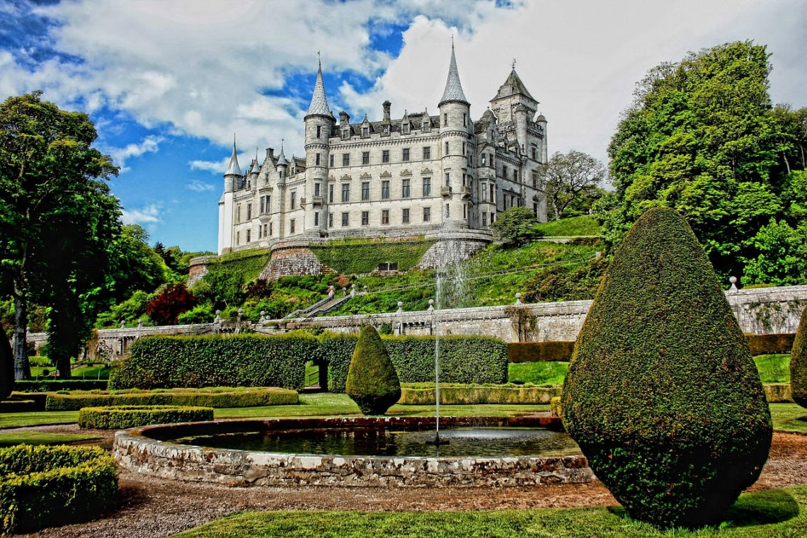 How to study abroad in Scotland for cheap