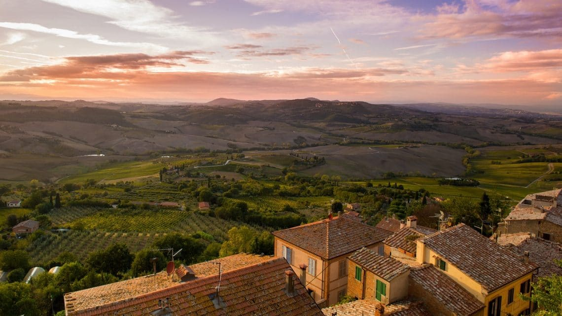 Cheap and easy trip ideas while studying abroad in Florence - visit the Tuscan countryside.
