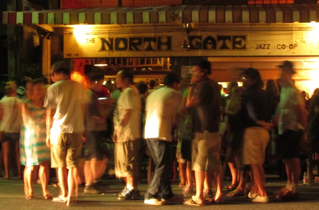 where to party in chiang mai, bars in chiang mai, chiang mai nightlife
