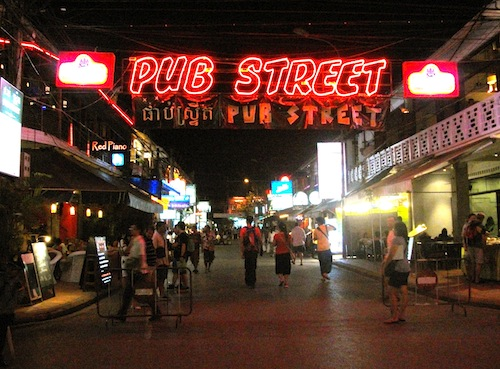 nightlife in siem reap, where to party siem reap, pub street siem reap