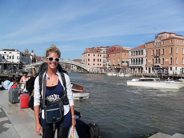 study abroad solo travel, how to travel by yourself while studying abroad