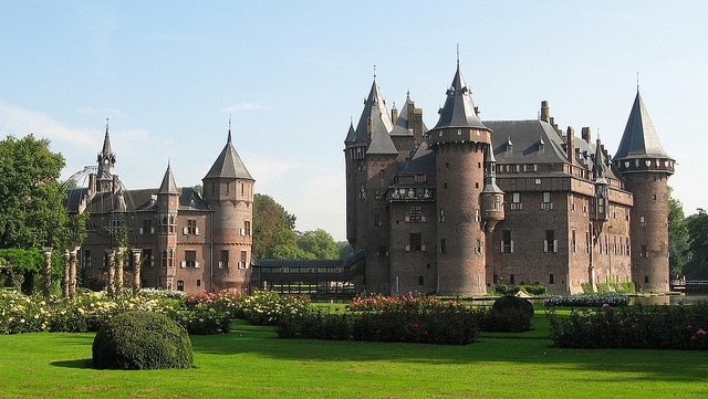 cool castles to visit in europe, top castles in europe