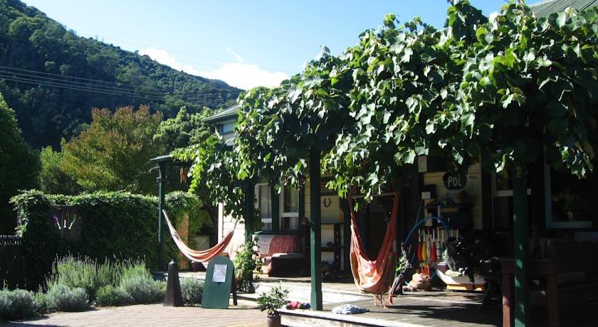 coolest hostels to stay in, really cool hostels to visit
