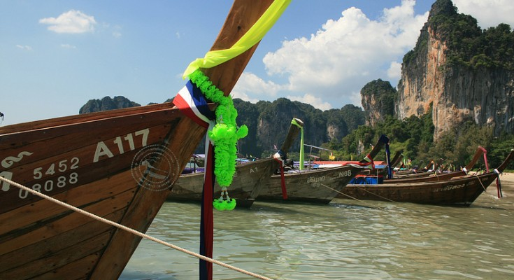 lets go thailand the student travel guide