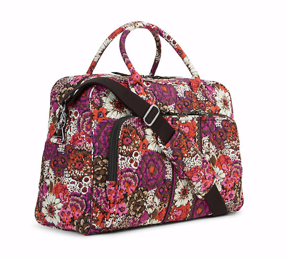 Vera Bradley Travel Gift Guide - Vera Bradley has lots of colorful gifts that are great for travel. These 12 Vera Bradley products are great gifts for travel lovers that may need a new duffle bag, jewelry organizer, or anything else. Click through to see the best Vera Bradley travel pieces that make great gifts.