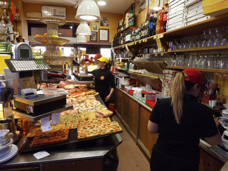 where to eat pizza trastevere rome
